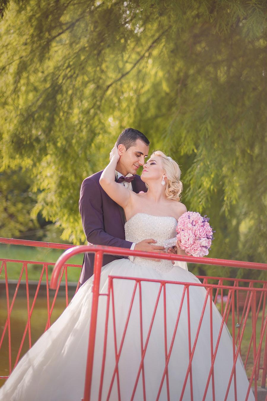 FOTOVIVA Fotografii de nuntă  București